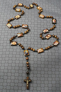 117103 Way of The Cross Wood Rosary